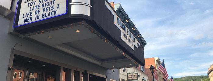 Bank Street Theater is one of Candlewood.