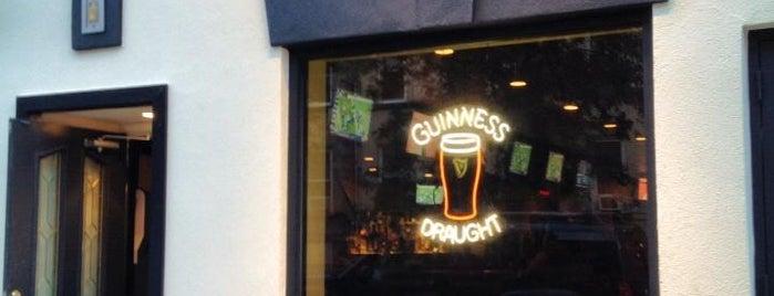 Finnegan's Pub is one of Posti che sono piaciuti a Erwan.