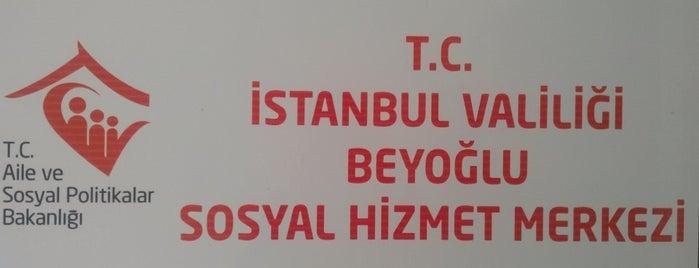 Beyoğlu Sosyal Hizmet Merkezi is one of Locais curtidos por Aslıhan.