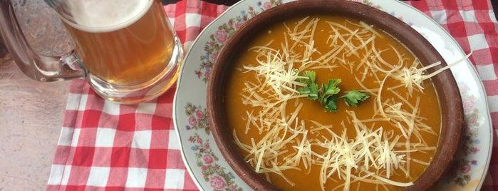 Café Tapiz is one of Posti che sono piaciuti a ᴡ.