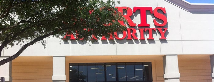 Sports Authority is one of Lugares favoritos de Keitha.