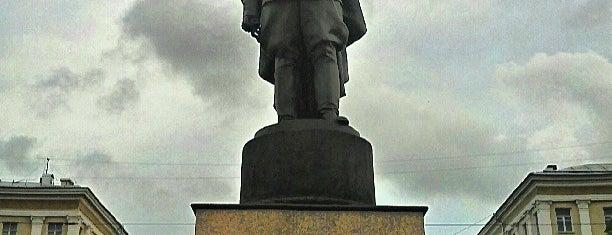Памятник генералу Черняховскому is one of VRN.