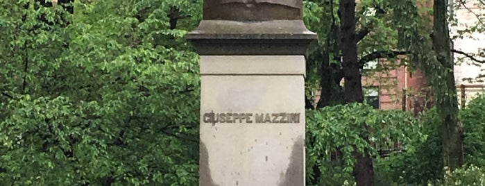 Statue of Giuseppe Mazzini is one of Nueva York.