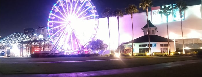 Ferris Wheel At The Pike is one of Laraさんのお気に入りスポット.