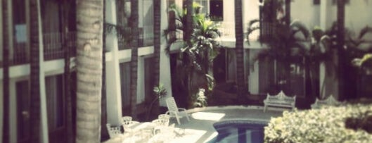 Hotel Suites Del Real is one of Buffet.