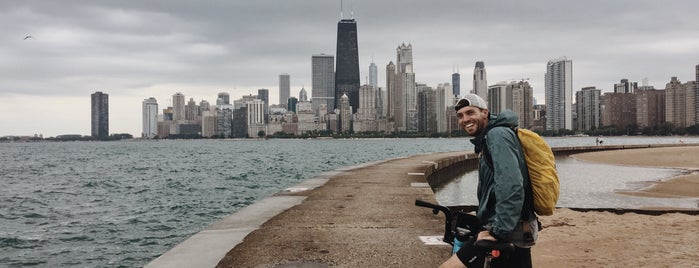 Chicago Lakefront Trail is one of สถานที่ที่ Kacie ถูกใจ.