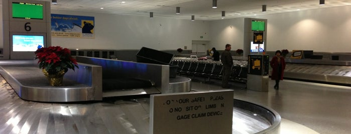 Baggage Claim is one of Posti che sono piaciuti a Zachary.
