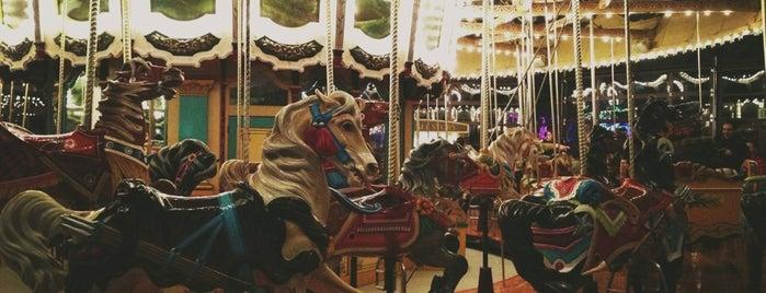 Historic Carousel is one of Locais curtidos por Kristin.