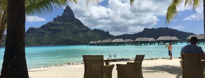 Bora Bora is one of plages.