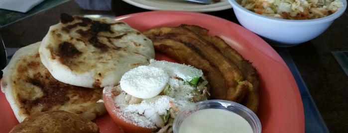 El Salvador Cafe is one of Lugares favoritos de Zachary.