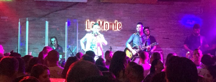 Le Monde is one of Carlosさんの保存済みスポット.