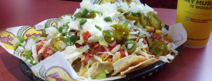 Moe's Southwest Grill is one of Lugares favoritos de Sarah.