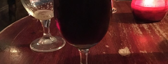 The Rose & Crown is one of London Craft Beer.