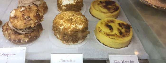 J'aime French Bakery is one of Locais curtidos por Campbell.