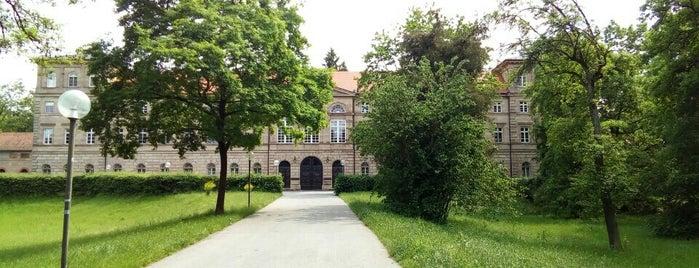 Schloss Burgfarrnbach is one of Fritz'in Beğendiği Mekanlar.