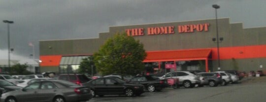 The Home Depot is one of Stevenさんのお気に入りスポット.