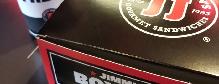 Jimmy John's is one of Orte, die Dan gefallen.