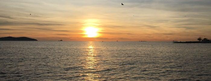 Suadiye Marina Beach is one of Semin : понравившиеся места.