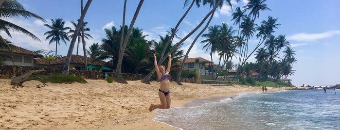 Wijaya Beach is one of Orte, die Triinu gefallen.