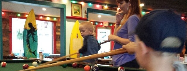 Harpoon's Surf Bar & Grill is one of Orte, die Bob gefallen.