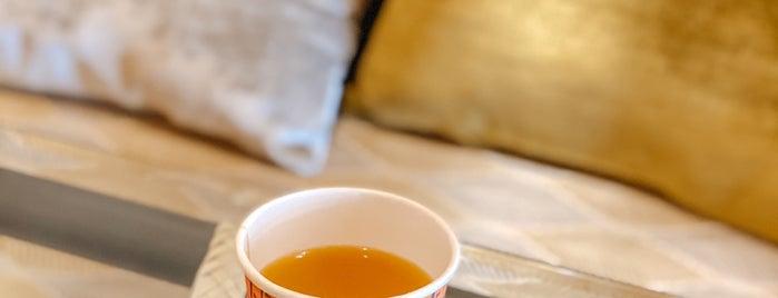 Saafah Cafe is one of Lieux sauvegardés par Queen.