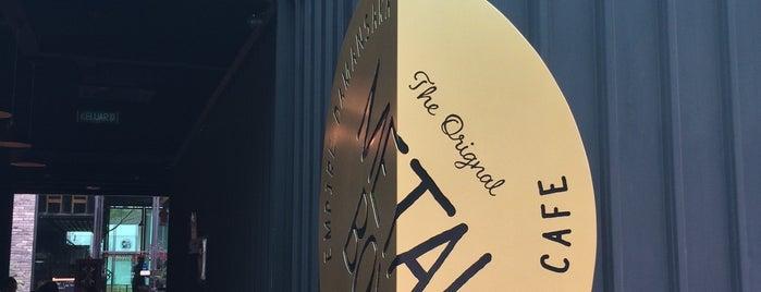 Metal Box Restaurant & Cafe is one of Yau'nun Kaydettiği Mekanlar.