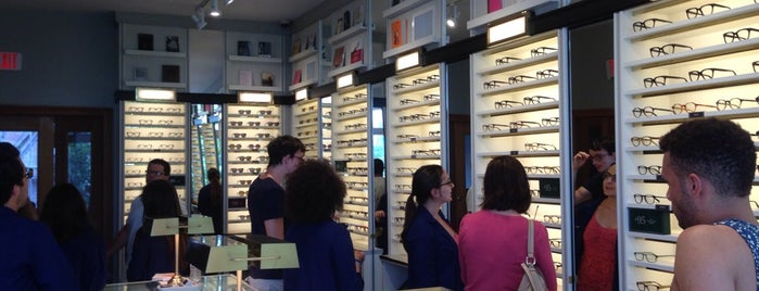 Warby Parker is one of Tempat yang Disukai Ross.