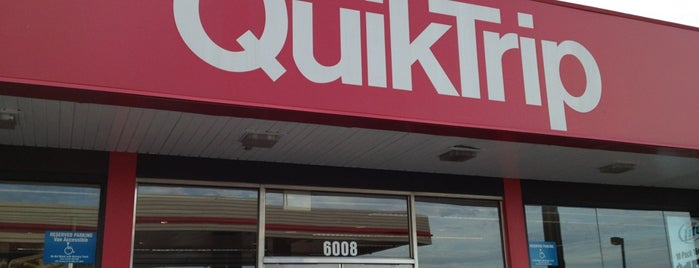 QuikTrip is one of Orte, die Suzanne E gefallen.