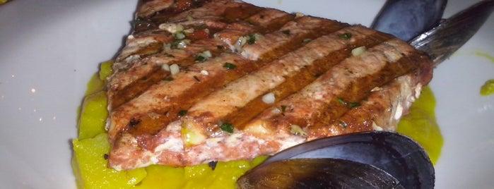 La Cevicheria & Bar is one of Lugares guardados de Nicole.