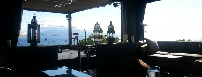 Fleetwoods Roof Top Bar is one of Maui.