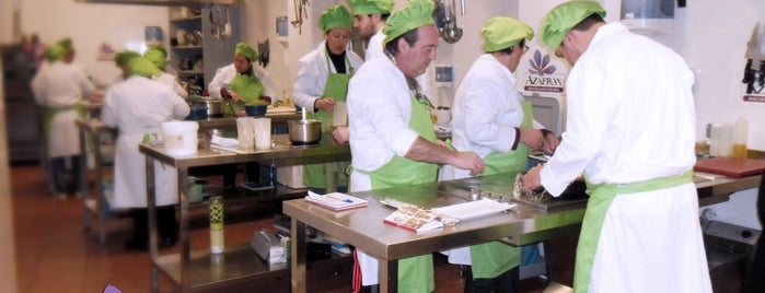 Escuela de Cocina Azafran is one of ! Con WiFi !.