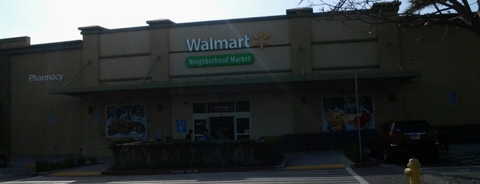 Walmart Neighborhood Market is one of Locais salvos de Razz.