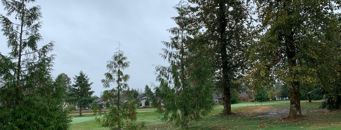 Golf Club at Redmond Ridge is one of Locais curtidos por Drew.