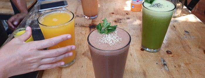 Liquido Y Sólido is one of CAFE's.