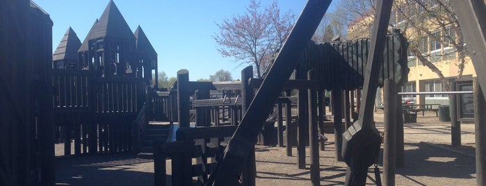 Treasure Island Community Playground is one of Mn.