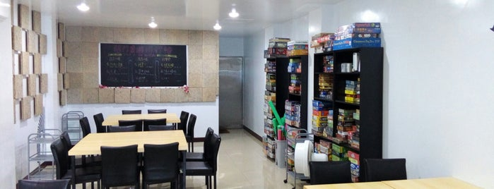 Room桌上遊戲店 is one of 桌遊店和俱樂部 Board game shops/cafes in Taipei.