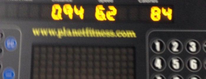 Planet Fitness is one of สถานที่ที่ Brandon ถูกใจ.