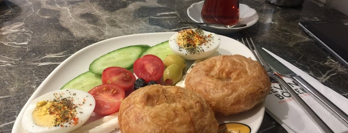 Levent Börek is one of Kafayı Yersin.