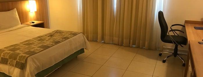 Blue Tree Tower Hotel is one of Tempat yang Disukai Thiago.
