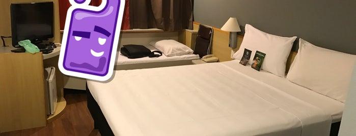 Ibis Hotel is one of Tempat yang Disukai Thiago.