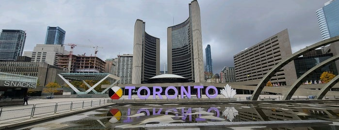 City Of Toronto Sign is one of Posti che sono piaciuti a Ethan.