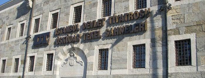 Devlet Tiyatroları Üsküdar Tekel Sahnesi is one of İstanbul'un En İyi 10 Tiyatro Sahnesi.