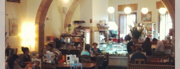 Pois Café is one of food lissabon.