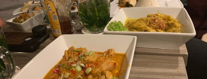Indonesian Kitchen is one of Posti che sono piaciuti a Michael.