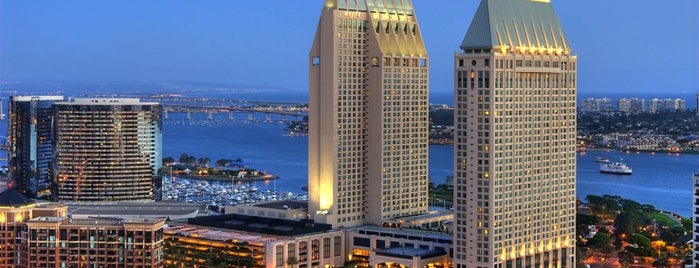 Manchester Grand Hyatt San Diego is one of Locais curtidos por Dominic.