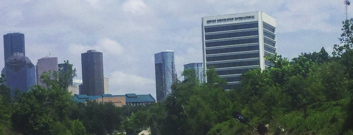 Buffalo Bayou Park is one of Tempat yang Disukai Angie.