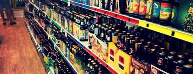 The  Wall Of Beer is one of Tempat yang Disimpan Joshua.