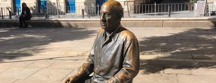 Escultura de Picasso is one of Discover Málaga.