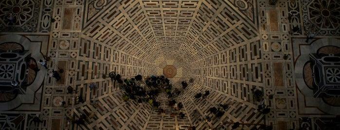 Cattedrale di Santa Maria del Fiore is one of Una Foto da Museo, il challenge su Instagram!.