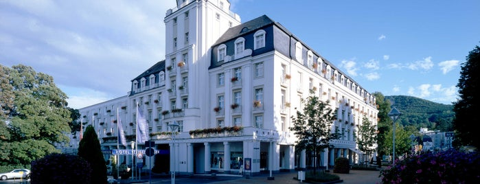 Steigenberger Hotel Bad Neuenahr is one of Tさんのお気に入りスポット.